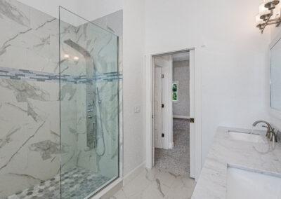 Bay Retreat Shower