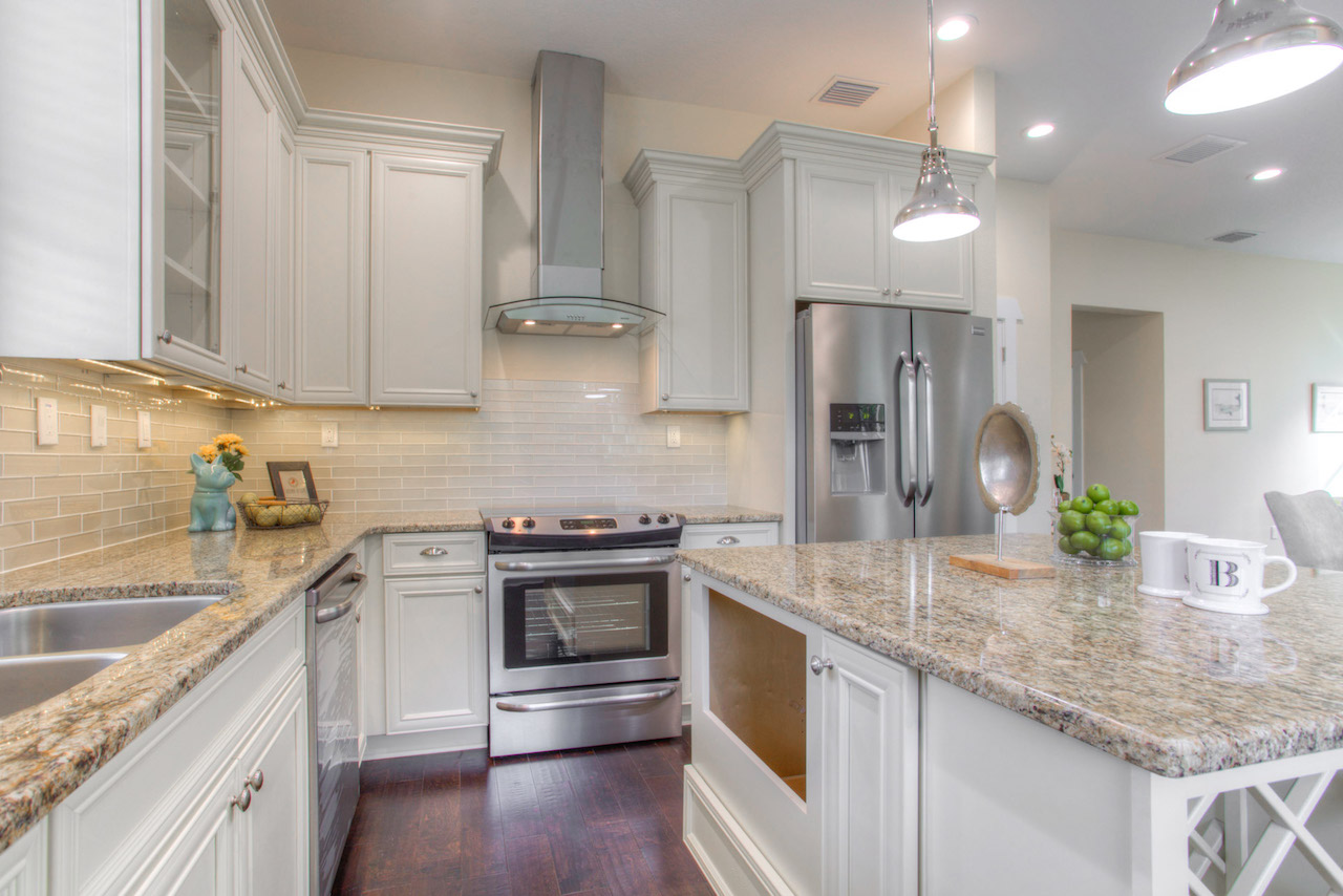 South Tampa Home Builders | Elegant Kitchens from DKV Tampa Homes