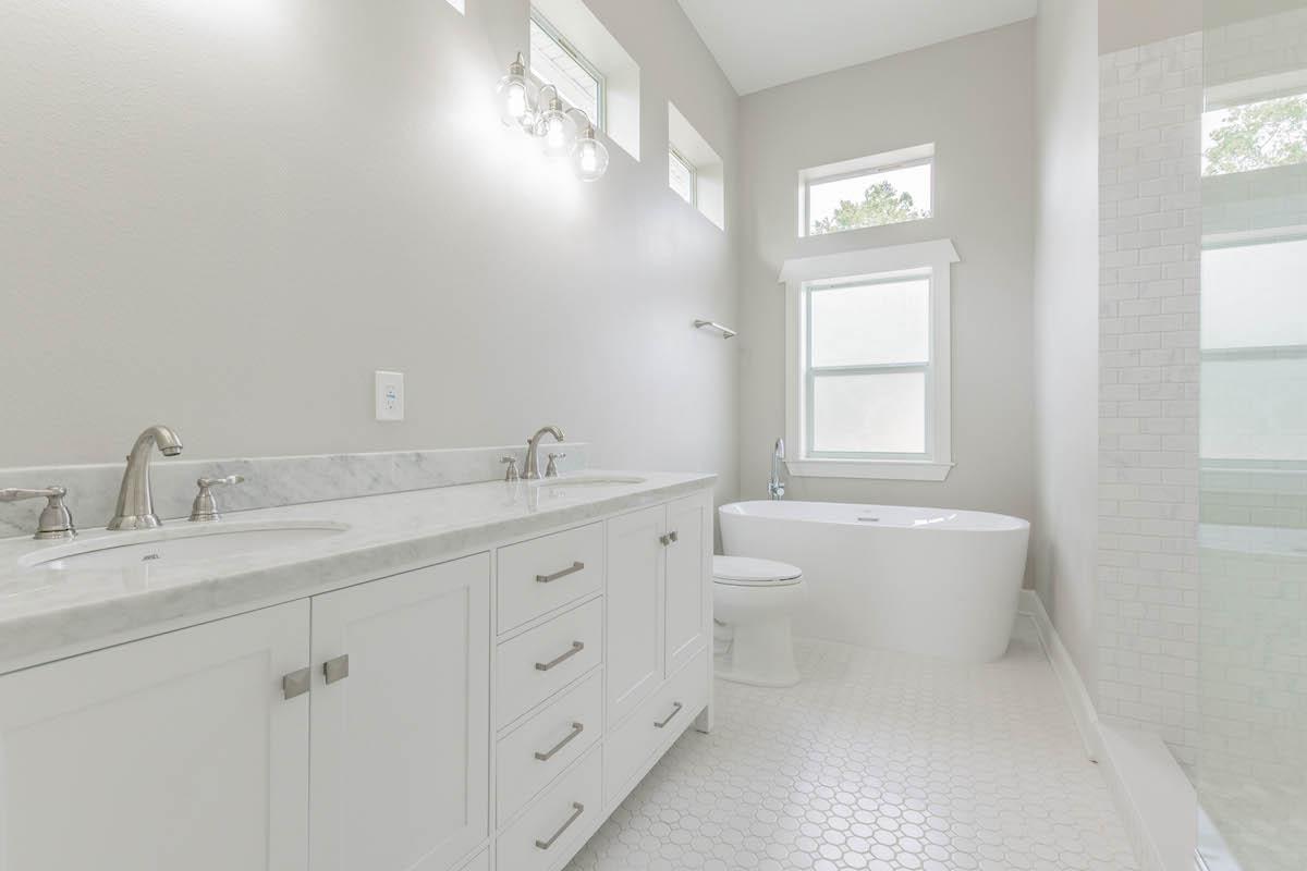 Designer Baths - DKV Tampa Homes